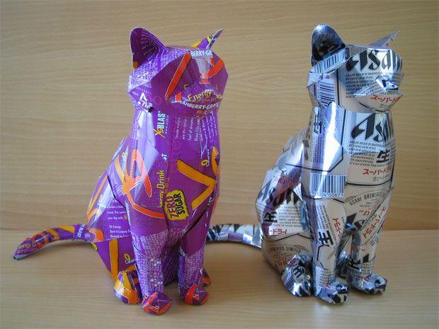 Gatos feitos de latinhas - esculturas feitas com latinhas